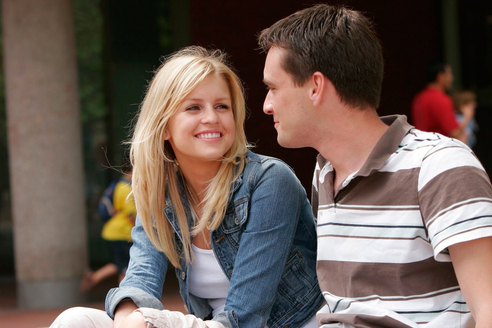 dating a damaged girl It's the same in dating no two people are the same and so the approach to dating someone is going to vary from person to person in particular, you approach to dating a happy and bubbly girl is going to be so much different from your approach to dating a girl who is damaged.